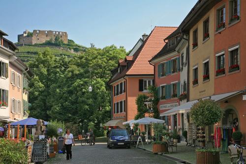 1.-03304 Staufen im Breisgau