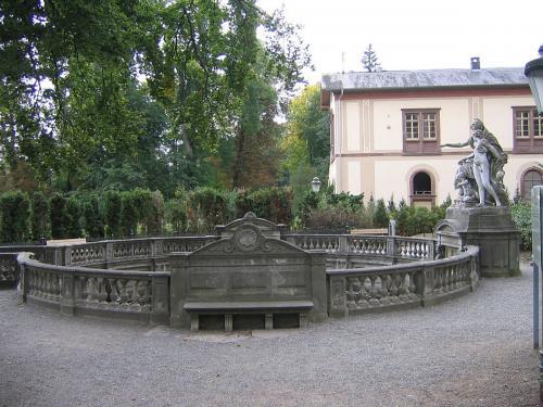 34-1024px-Donaueschingen Donauquelle 4399