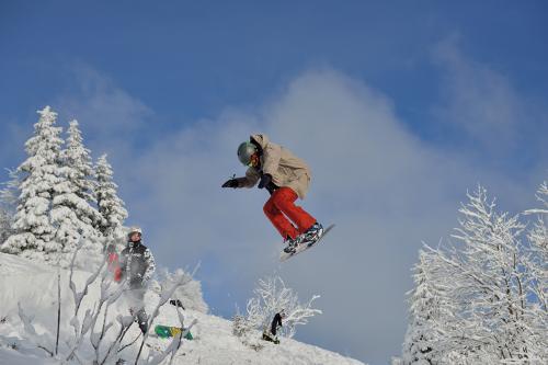 5.-Feldberg - Jumping Snowboarder3