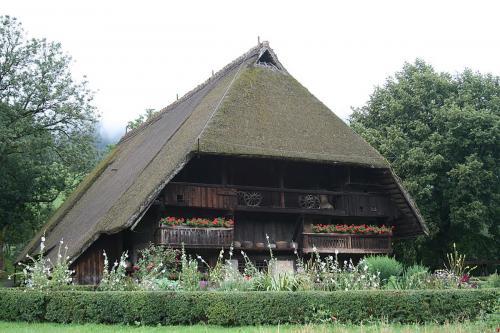 68.-1024px-Vogtsbauernhof klein