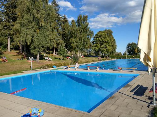 Schwimmbad-1